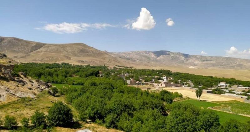 روستای چورس چایپاره، مرکز حکومت خاندان دُنبُلی در ایران